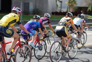 Women riding as a group. Image credit: carbon addiction http://carbonaddiction.net/2013/02/13/biker-gang/