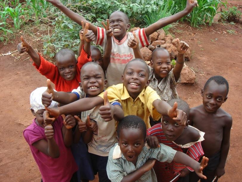https://vivimetaliun.files.wordpress.com/2016/01/649d5-children-smiling3.jpg?w=812&h=609
